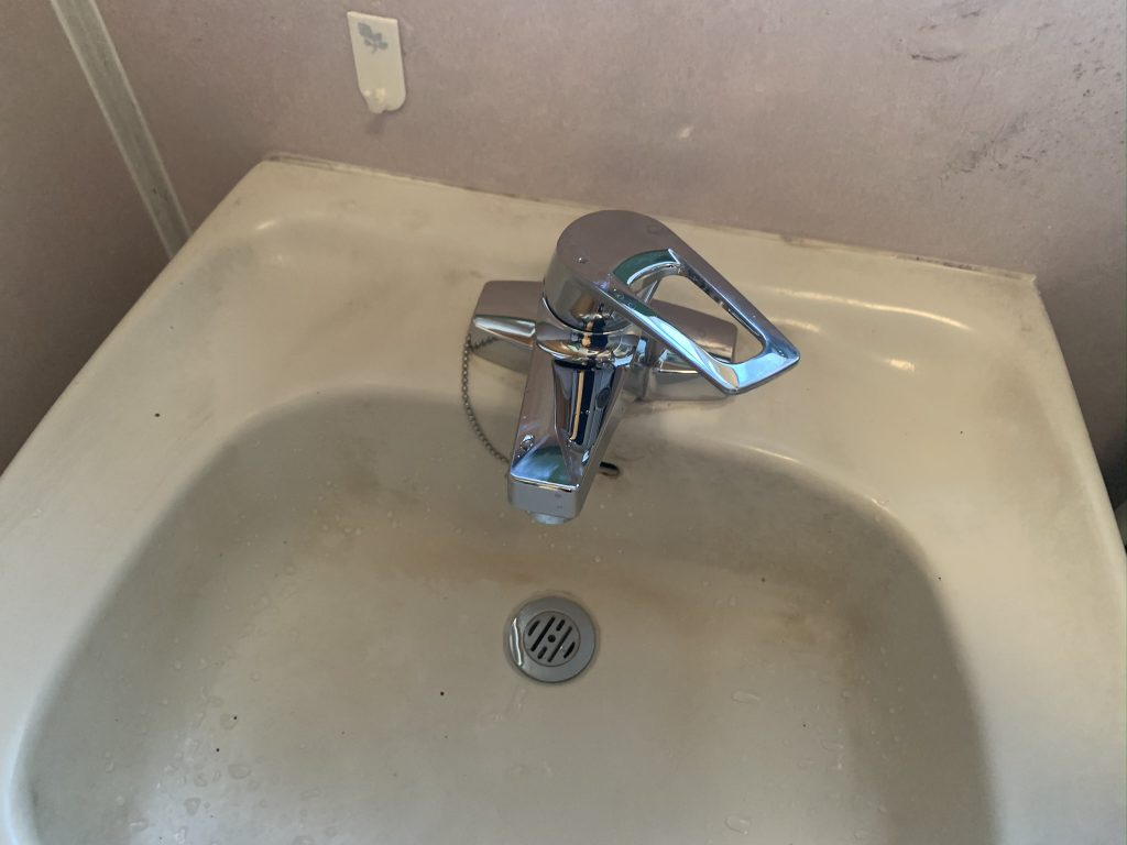 渋川市 洗面台水栓交換