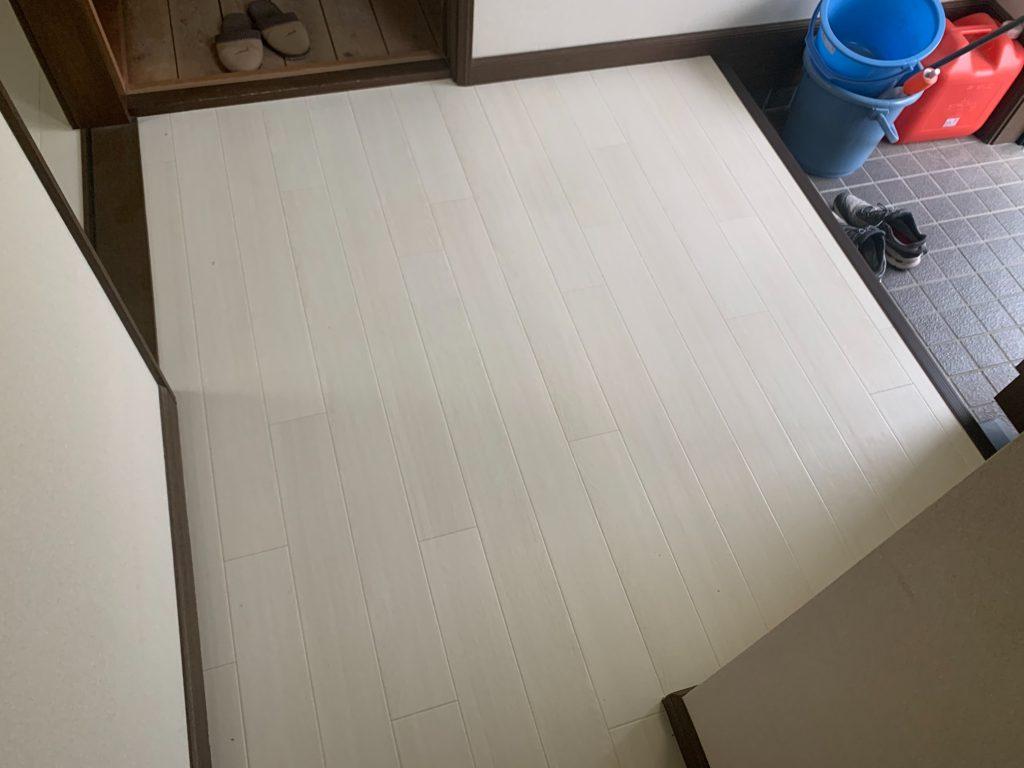 渋川市 玄関・納戸床クッションフロア上貼り工事 -リフォームモリハウスー